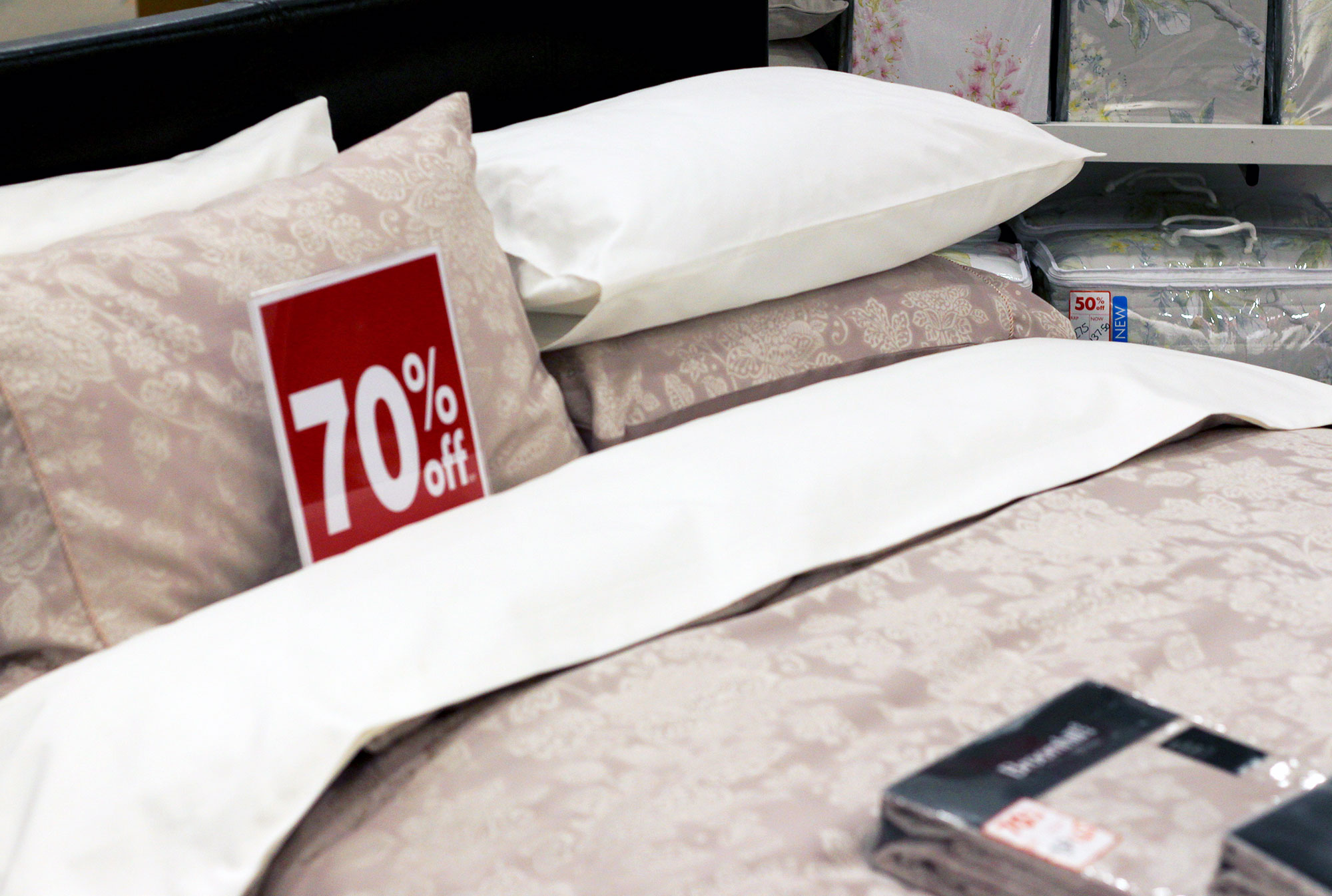 Up to 70% off selected bedding at Menarys